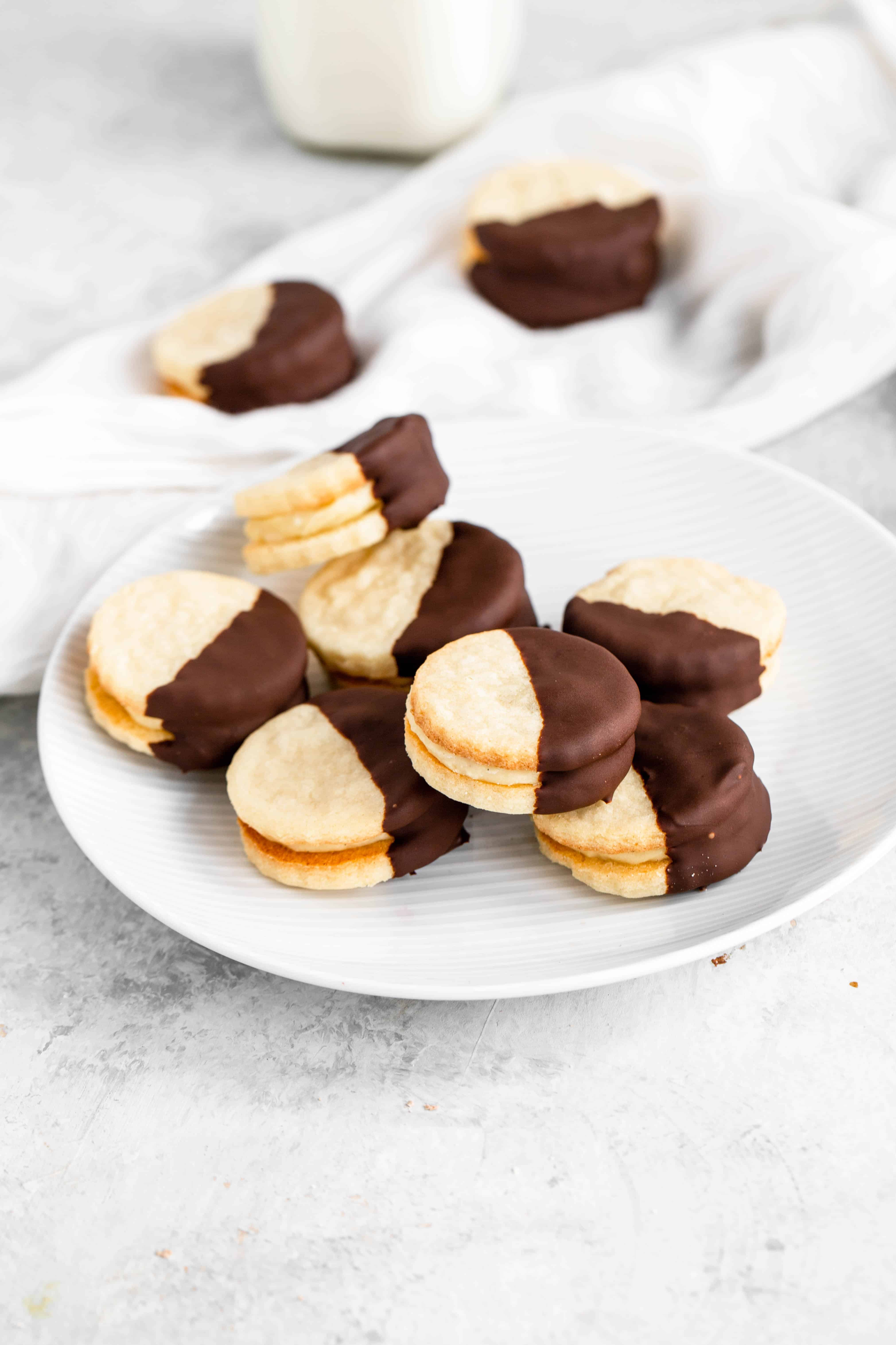 easy cookie recipe - boston cream sandwich cookie